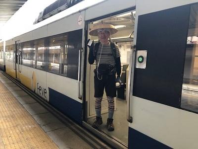 FEVE(スペインの電車)_f0019247_22513266.jpg