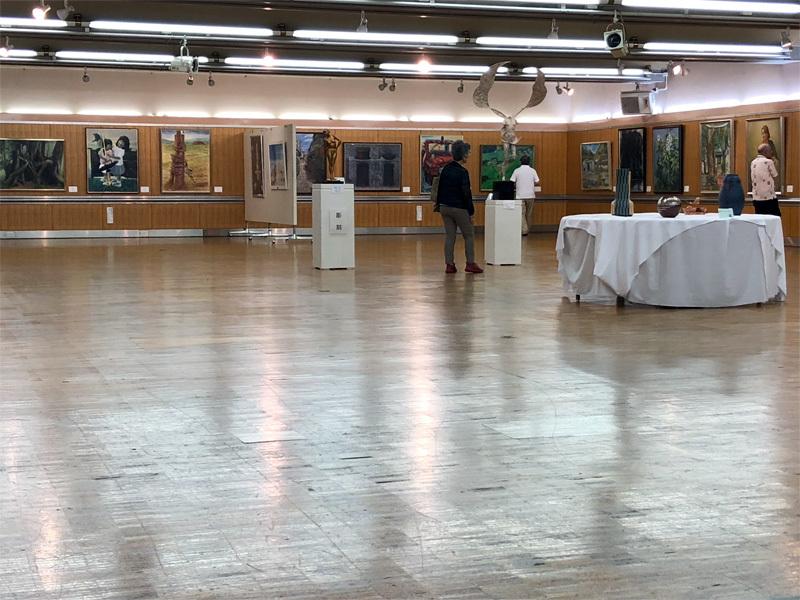 庭の花と○○市県展記念展の様子を・・・_f0368272_10423330.jpg