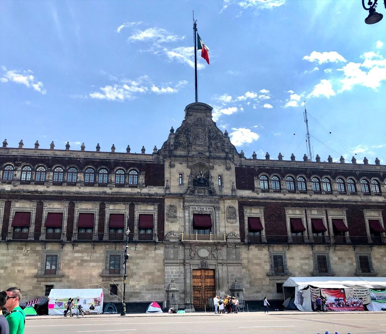 中南米の旅/68 アステカ遺跡の上に建つメトロポリタン大聖堂@メキシコシティ_a0092659_20172852.jpg