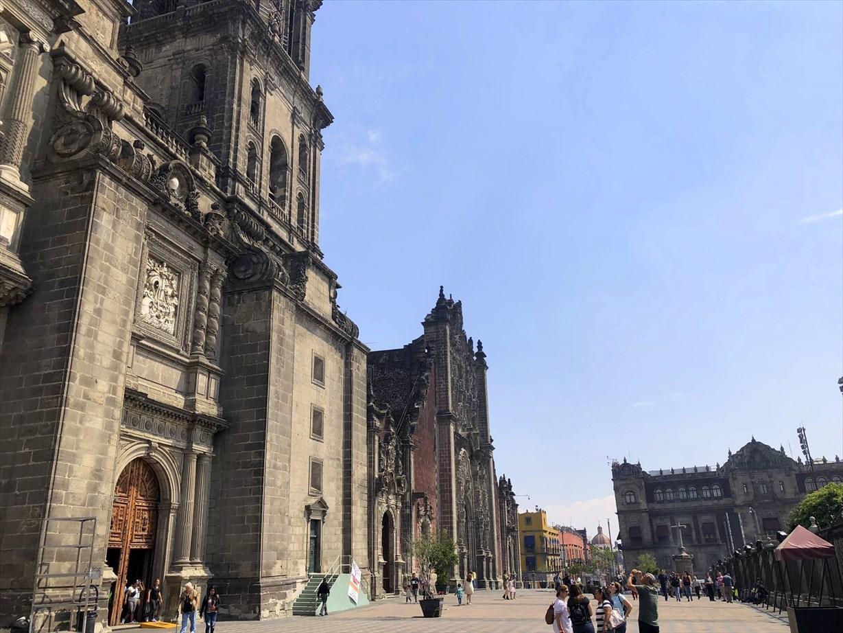 中南米の旅/68 アステカ遺跡の上に建つメトロポリタン大聖堂@メキシコシティ_a0092659_20373720.jpg