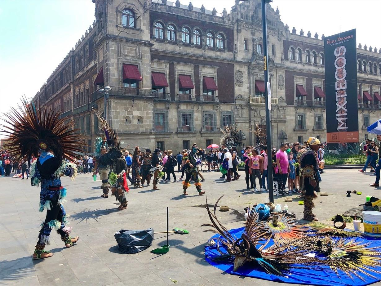 中南米の旅/68 アステカ遺跡の上に建つメトロポリタン大聖堂@メキシコシティ_a0092659_21293621.jpg