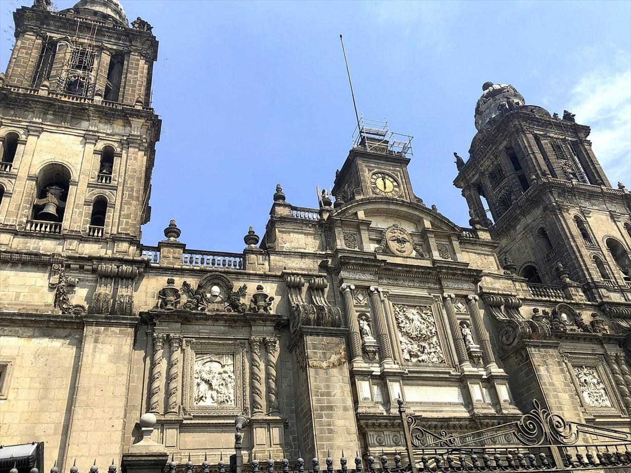 中南米の旅/68 アステカ遺跡の上に建つメトロポリタン大聖堂@メキシコシティ_a0092659_23335962.jpg