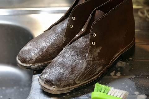 デザートブーツを洗う_e0072159_00372644.jpg