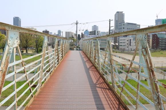 淀川の土手_c0001670_20552598.jpg