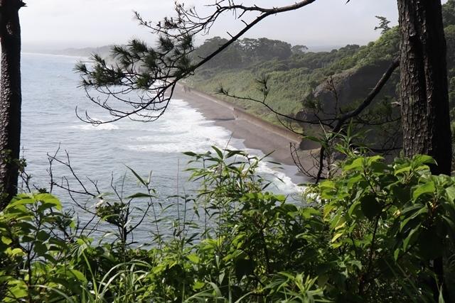 藤田八束の鉄道写真@梅雨の季節に鹿児島最南端の地開聞岳を見る、美しい海と空・・・梅雨の谷間の美しい景色、鹿児島、仙台、大阪にて_d0181492_22492288.jpg