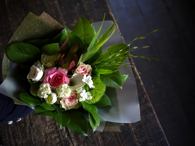 お誕生日の女性への花束。「可愛らしく」。2019/07/06。_b0171193_18055217.jpg
