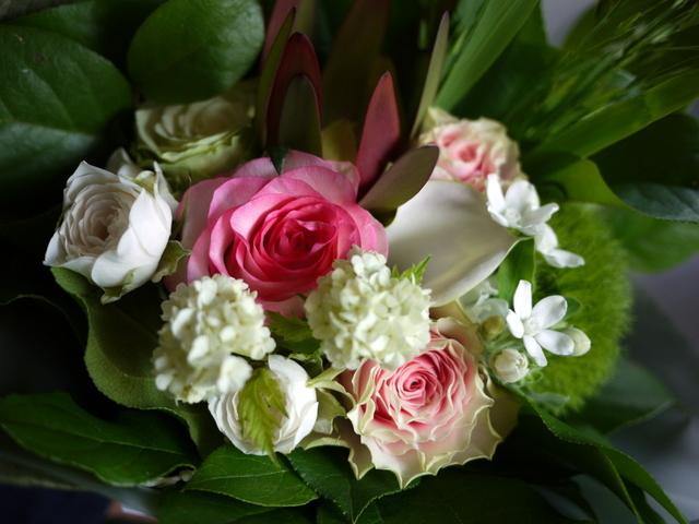 お誕生日の女性への花束。「可愛らしく」。2019/07/06。_b0171193_18055608.jpg