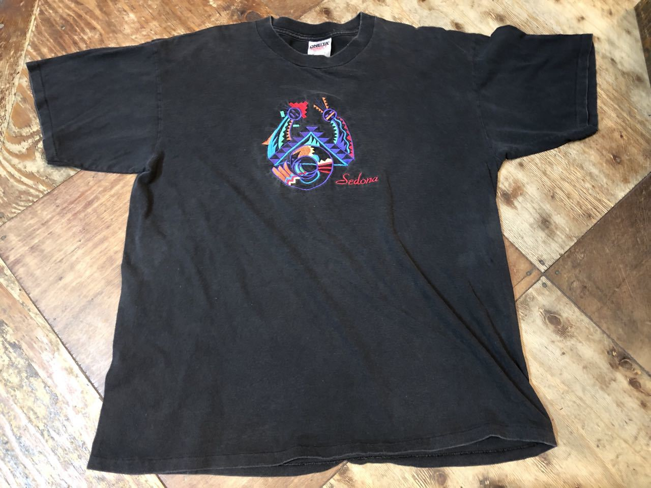 7月8日(月)入荷! 90s SEDONA 刺繍 Tシャツ! MADE IN U.S.A_c0144020_12531853.jpg