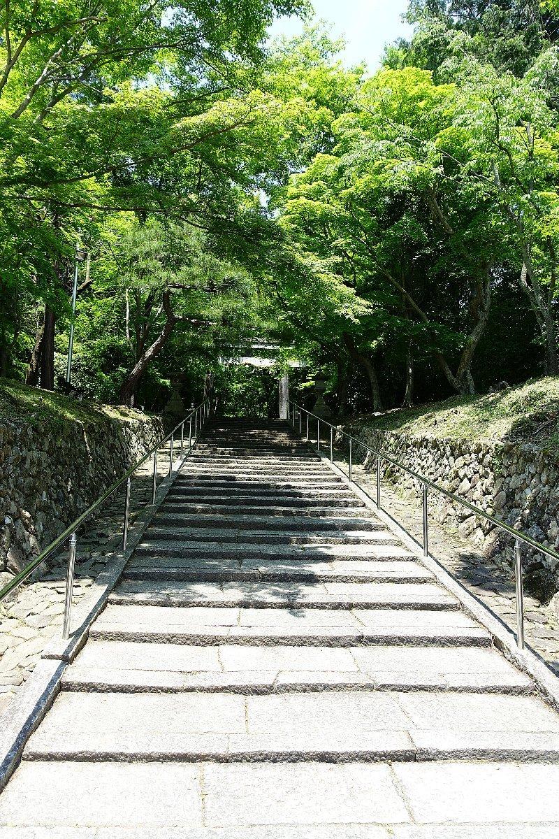 大原野神社(その1)参道で昼食_c0112559_08100924.jpg
