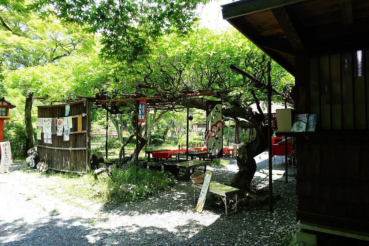 大原野神社(その1)参道で昼食_c0112559_08175973.jpg