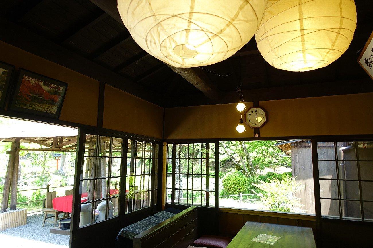 大原野神社(その1)参道で昼食_c0112559_08183312.jpg