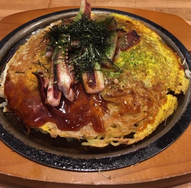 リトルトーキョーで広島風のお好み焼き_e0350971_07385767.jpg