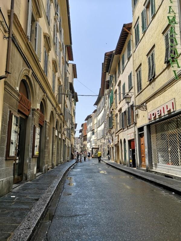 ピリ辛スパゲッティとフィレンツェのアパート_f0106597_04165132.jpg