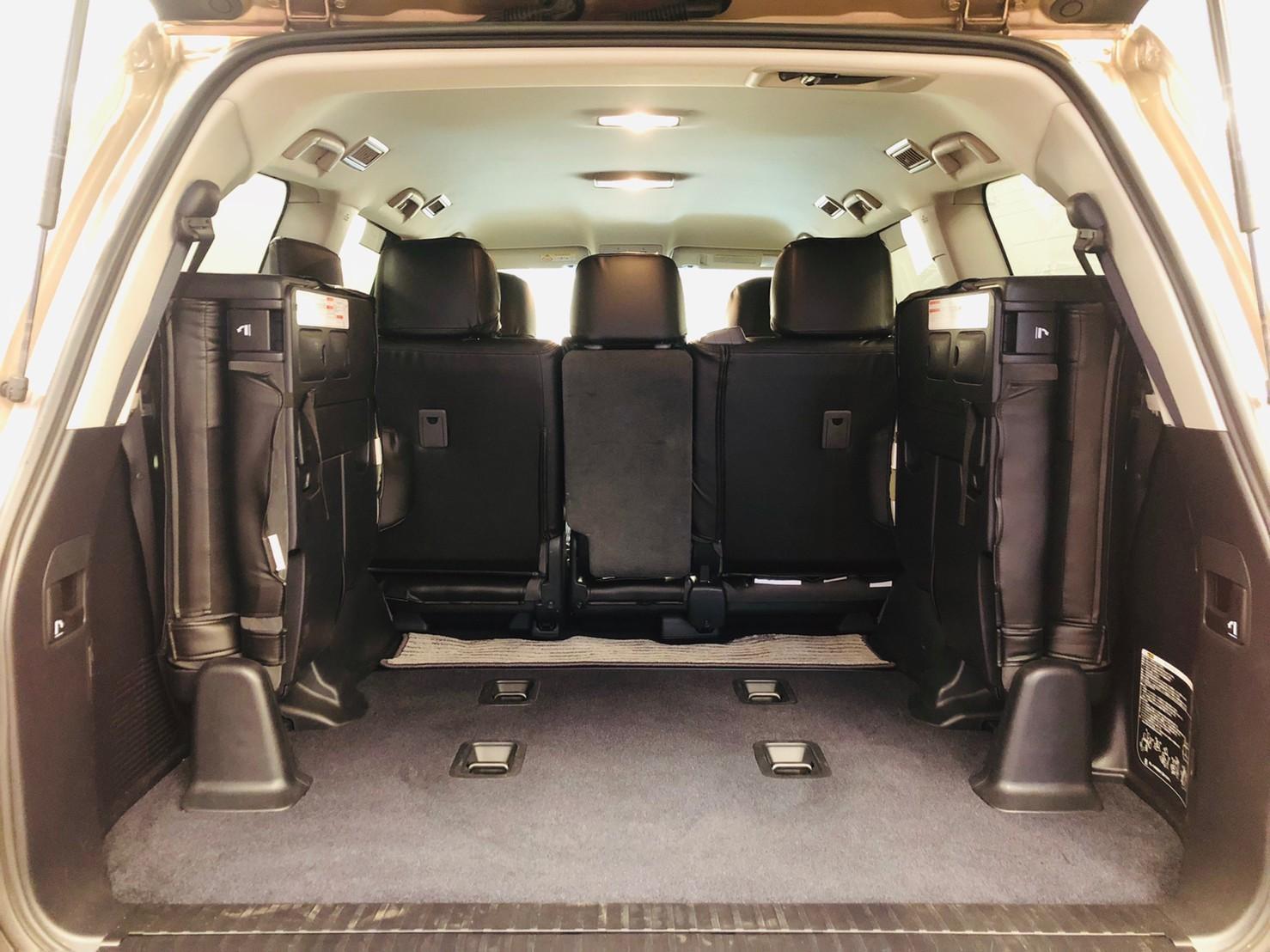 7月9日(火)本店ブログ♪ランクル200 4.6AX 4WD 21000キロです! ハマー レクサス アルファード_b0127002_16364063.jpg