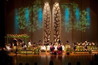 世界の民族音楽を聴く-第3講「ジャワのガムランを知る、見る、聴く」レクチャー&コンサート@明治大学リバティアカデミー 7/20_a0054926_06452181.jpg