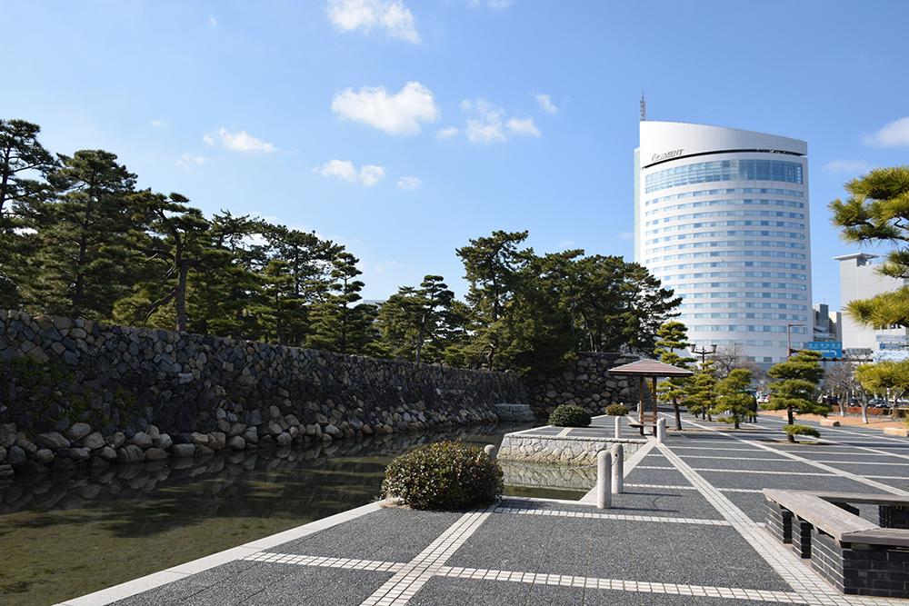 海に浮かぶ要塞、讃岐高松城を歩く。 その6 <外周、東の丸>_e0158128_21053208.jpg