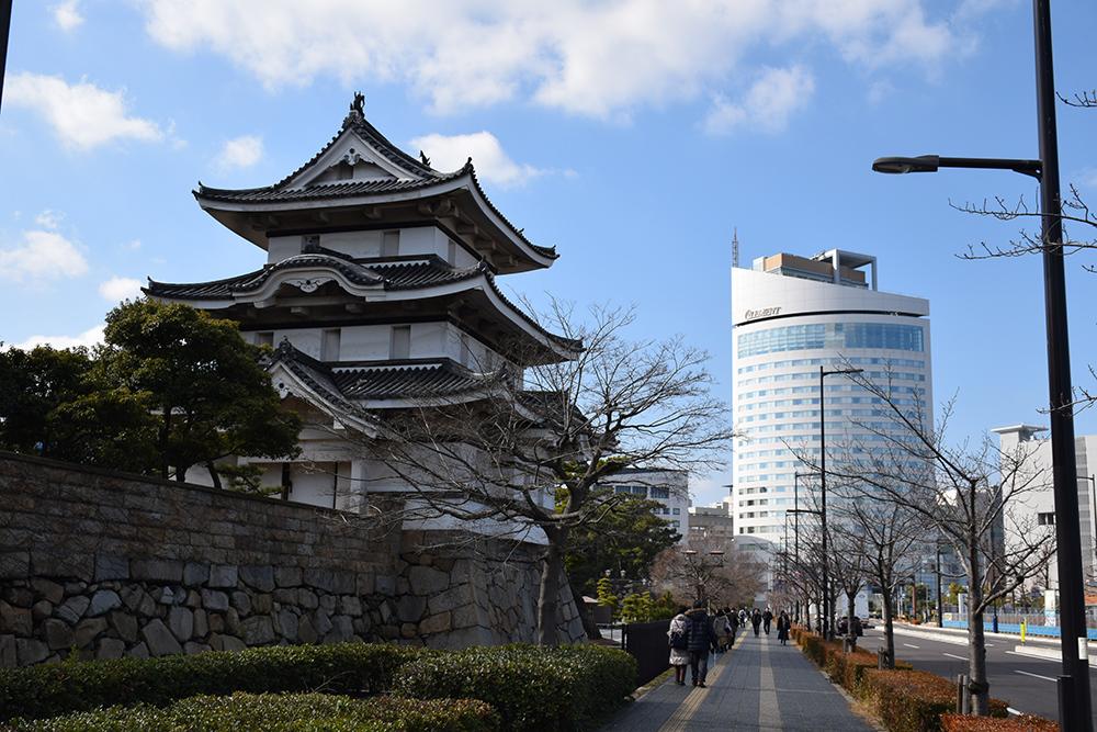 海に浮かぶ要塞、讃岐高松城を歩く。 その6 <外周、東の丸>_e0158128_21053533.jpg