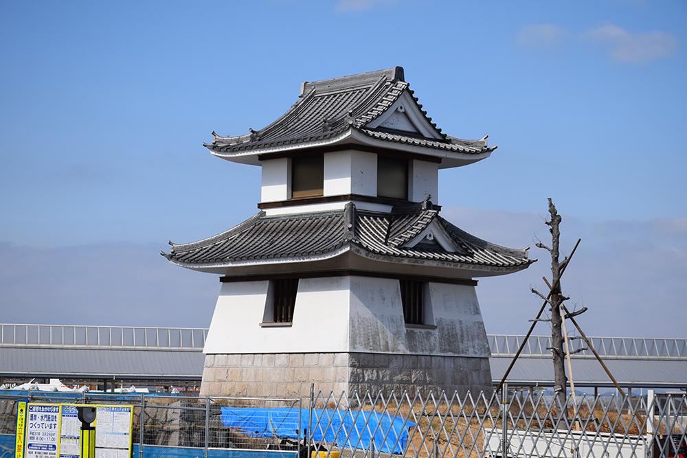 海に浮かぶ要塞、讃岐高松城を歩く。 その6 <外周、東の丸>_e0158128_21070200.jpg