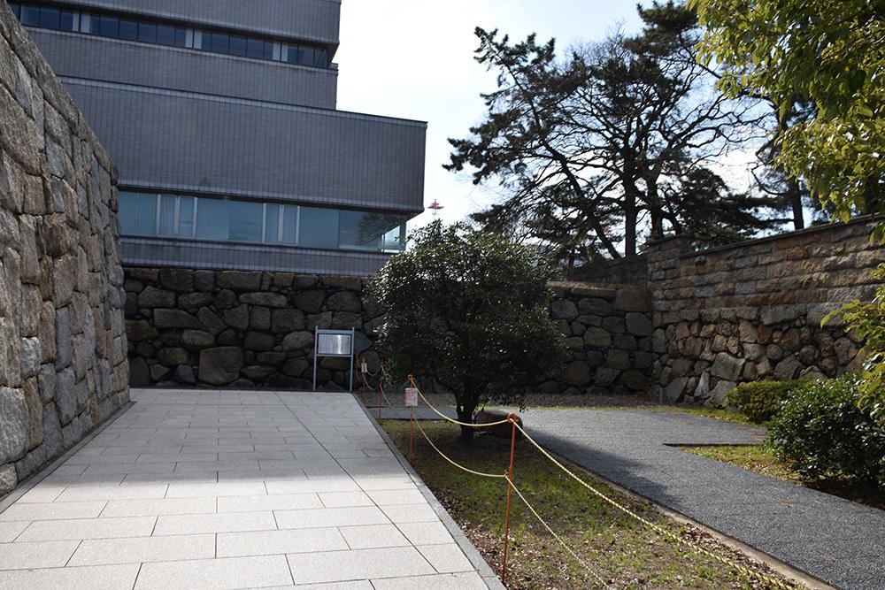 海に浮かぶ要塞、讃岐高松城を歩く。 その6 <外周、東の丸>_e0158128_21104732.jpg
