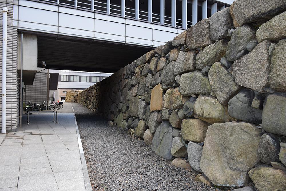 海に浮かぶ要塞、讃岐高松城を歩く。 その6 <外周、東の丸>_e0158128_21105104.jpg