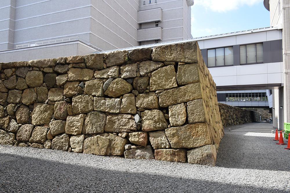 海に浮かぶ要塞、讃岐高松城を歩く。 その6 <外周、東の丸>_e0158128_21105700.jpg
