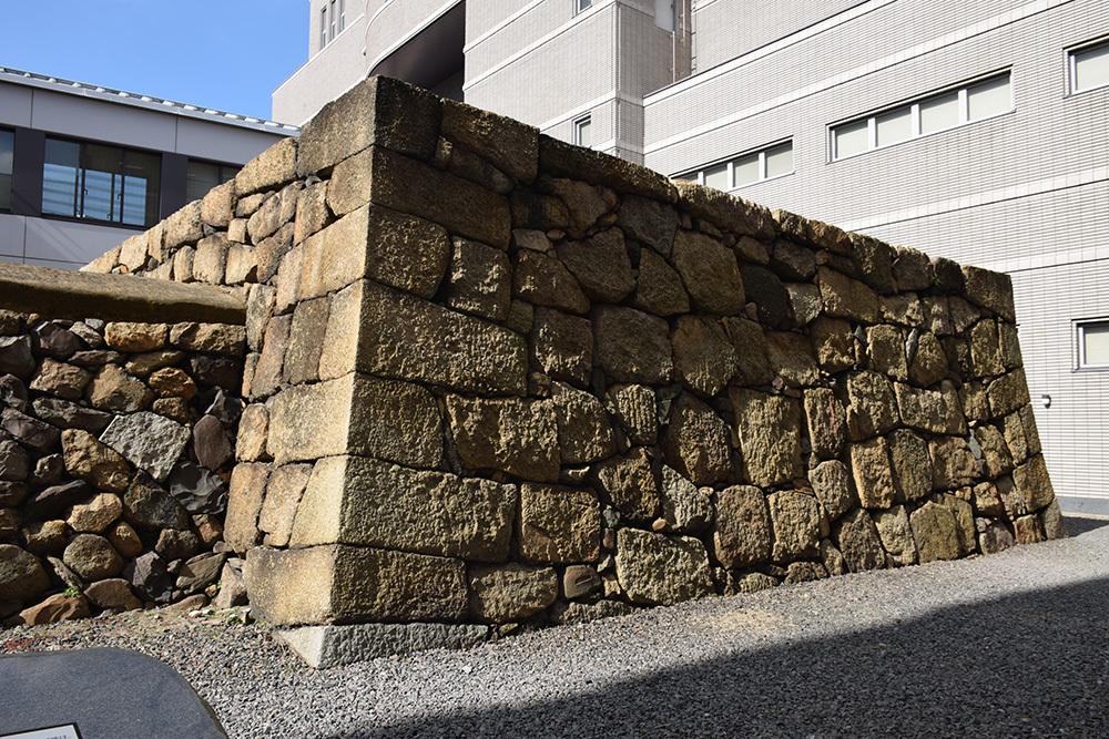 海に浮かぶ要塞、讃岐高松城を歩く。 その6 <外周、東の丸>_e0158128_21132249.jpg