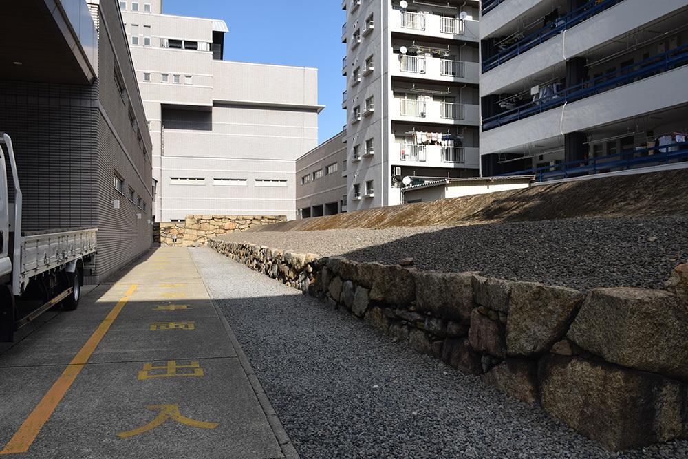 海に浮かぶ要塞、讃岐高松城を歩く。 その6 <外周、東の丸>_e0158128_21155795.jpg