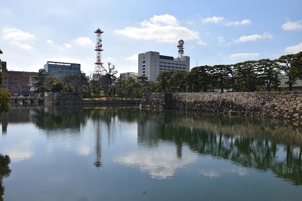 海に浮かぶ要塞、讃岐高松城を歩く。 その6 <外周、東の丸>_e0158128_21212920.jpg