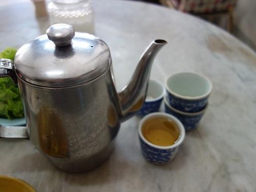 ナラティワートの飲茶屋で朝食、店名は民利か利民か・・?_c0030645_12130132.jpg