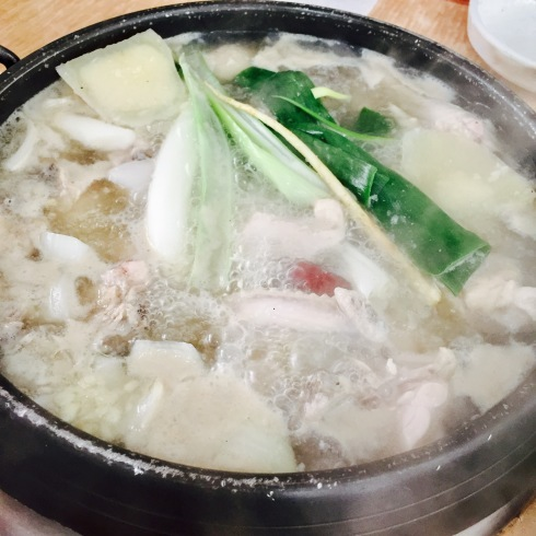ソウル旅行 17 美味し過ぎるタッカンマリに出会う「クンソンタッカンマリ」_f0054260_17475647.jpg