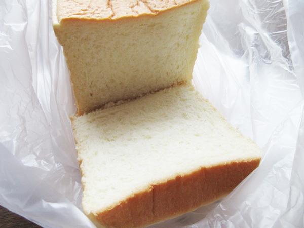食パン専門店 銀座に志かわ 池袋西口店_c0152767_22212196.jpg