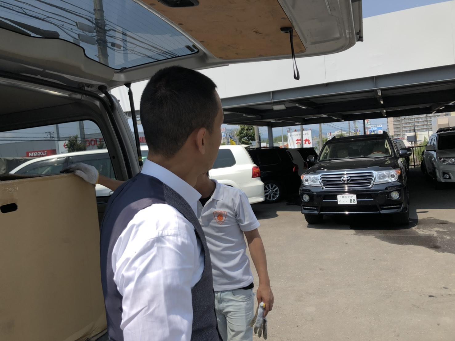 7月10日(水)本店ブログ♪LX570 4WD☆ワンオーナーあります! ランクル ハマー アルファード _b0127002_18485473.jpg