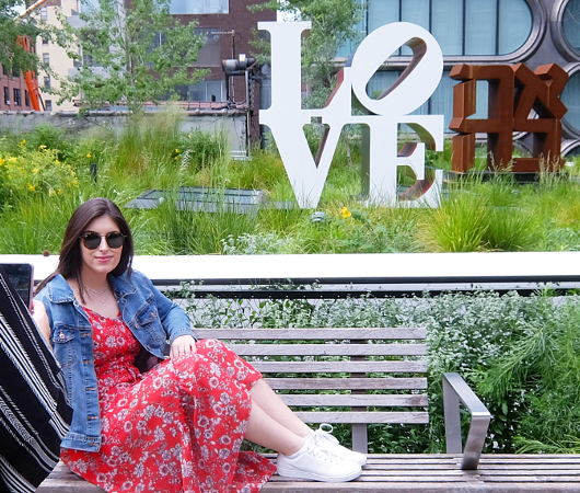 "NYの空中公園ハイラインに多言語化した""LOVE Statue""登場中_b0007805_06081629.jpg"