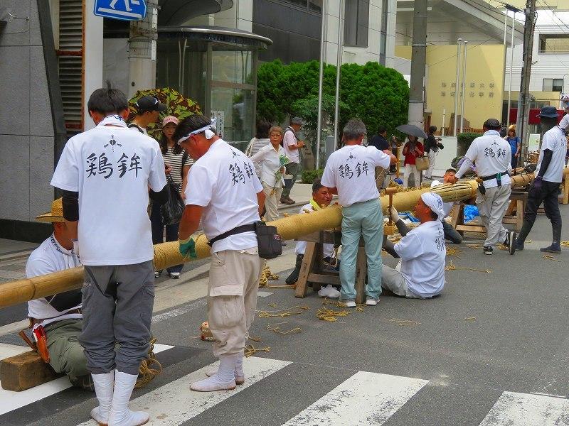 祇園祭恒例の「鉾建て」20190710_e0237645_23302158.jpg