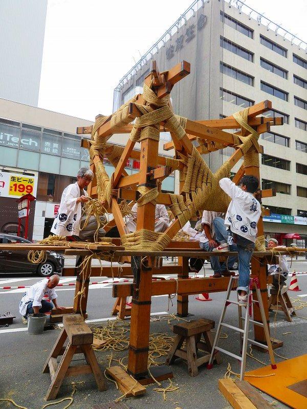 祇園祭恒例の「鉾建て」20190710_e0237645_23314885.jpg