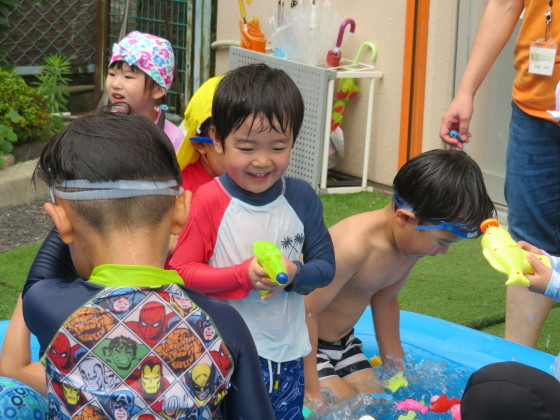 Pool time_e0119166_14490258.jpg