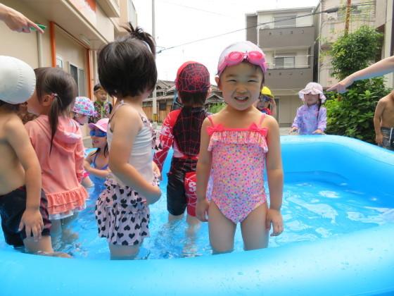 Pool time_e0119166_14533622.jpg