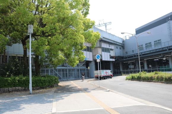 大阪の玄関口新大阪駅のバス停_c0001670_18275324.jpg