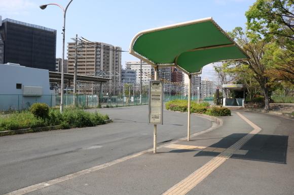 大阪の玄関口新大阪駅のバス停_c0001670_18283429.jpg