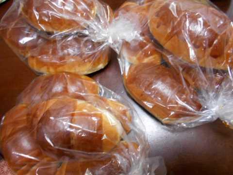朝早くからお気に入りのパン屋さんへ_f0019498_08162872.jpg