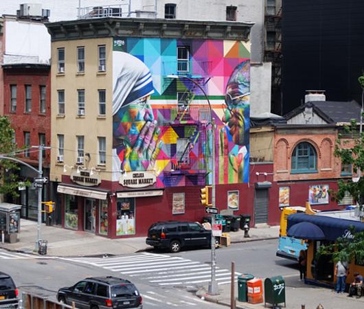 ニューヨークに「マザー・テレサ対ガンジー」の壁画_b0007805_03382890.jpg