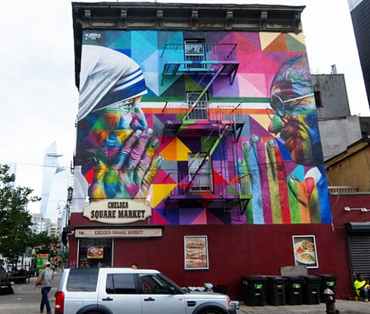 ニューヨークに「マザー・テレサ対ガンジー」の壁画_b0007805_03384164.jpg