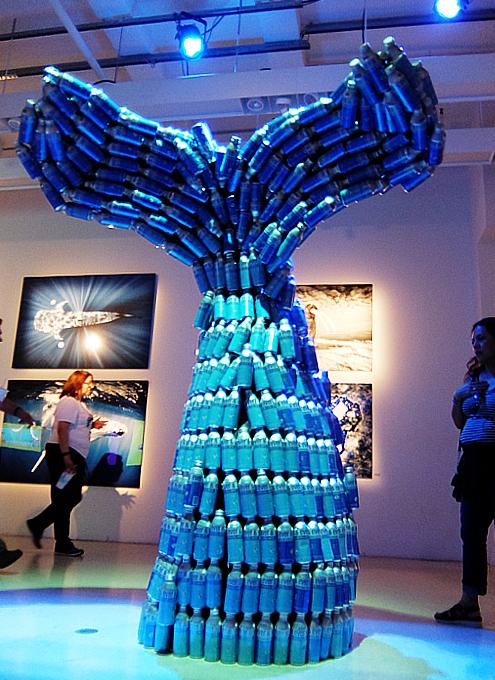 NYの「プラスティックの美術館」で考える海洋汚染問題_b0007805_23022477.jpg