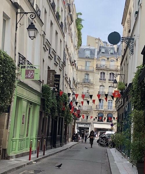 パリ街歩き(๑˘ ³˘๑)•*¨*•.¸¸♪︎_a0213806_22212194.jpeg
