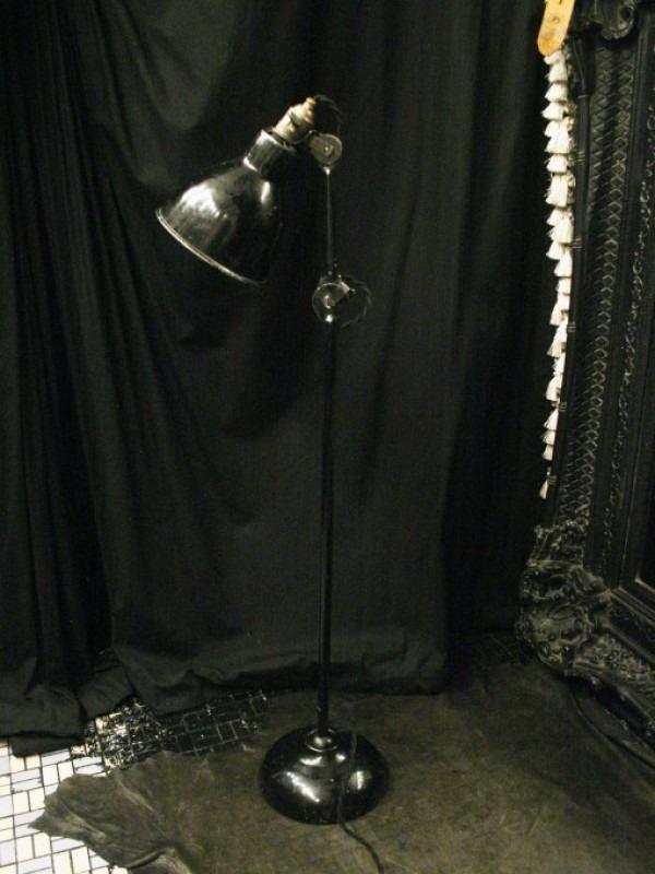 平成最後のヨーロッパ買い付け後記29 買い付け最後の食事はフランスらしくガレット。入荷1920s~GRAS desk lamp No.205 No.305_f0180307_01122083.jpg