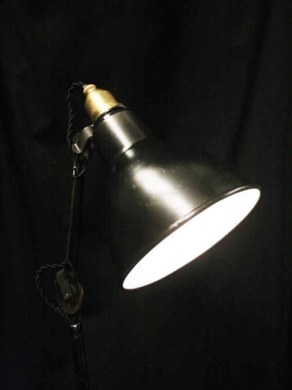 平成最後のヨーロッパ買い付け後記29 買い付け最後の食事はフランスらしくガレット。入荷1920s~GRAS desk lamp No.205 No.305_f0180307_01203111.jpg