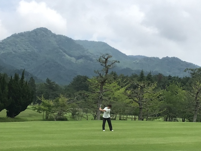梅雨の合間にゴルフ_b0100062_08041686.jpeg