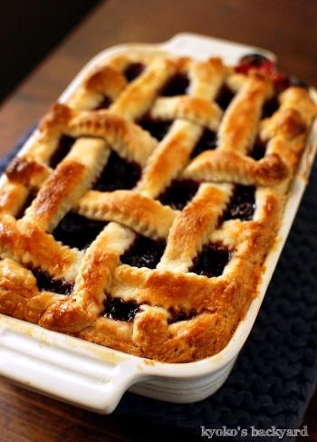 またまたチェリーパイ。ついでにピーチ&いちごのパイも。_b0253205_10304982.jpg