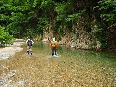 加須良川から蓮如峠と蓮如岩_a0133014_13315221.png