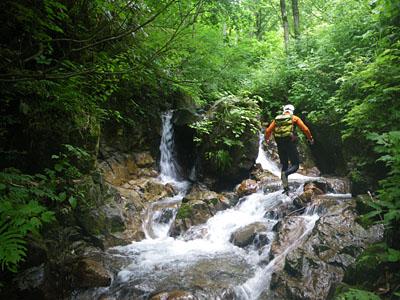 加須良川から蓮如峠と蓮如岩_a0133014_13322545.jpg